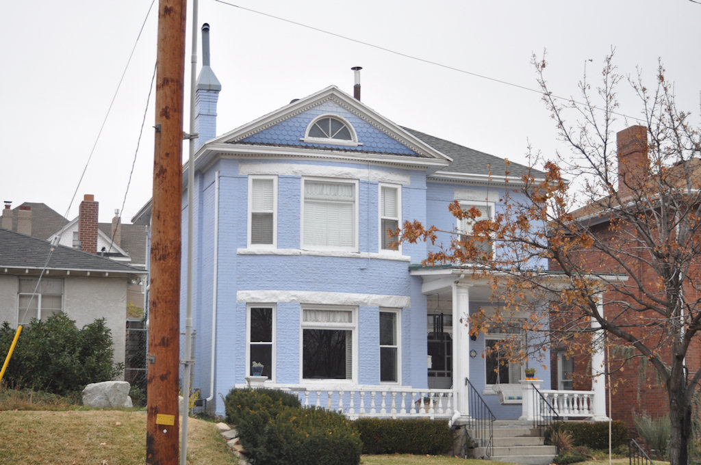 Blue House on 1200
